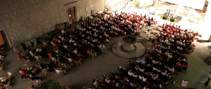 Il cortile del Museo Nazionale Etrusco Rocca Albornoz di Viterbo, sede del Tuscia Film Fest dal 2007 al 2011